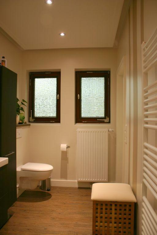 badgestaltung ohne fliesen fugenlos f r wand und boden. Black Bedroom Furniture Sets. Home Design Ideas